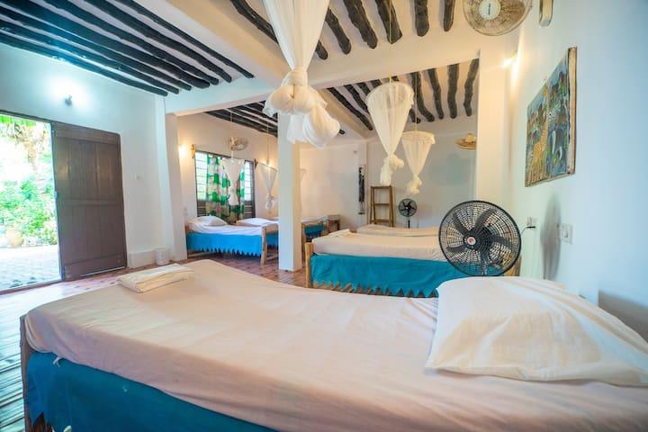 Simba Garden Lodge   Single bed in a dorm #01