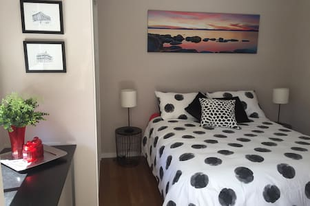 Brand new one bedroom unit Tennyson - Tennyson