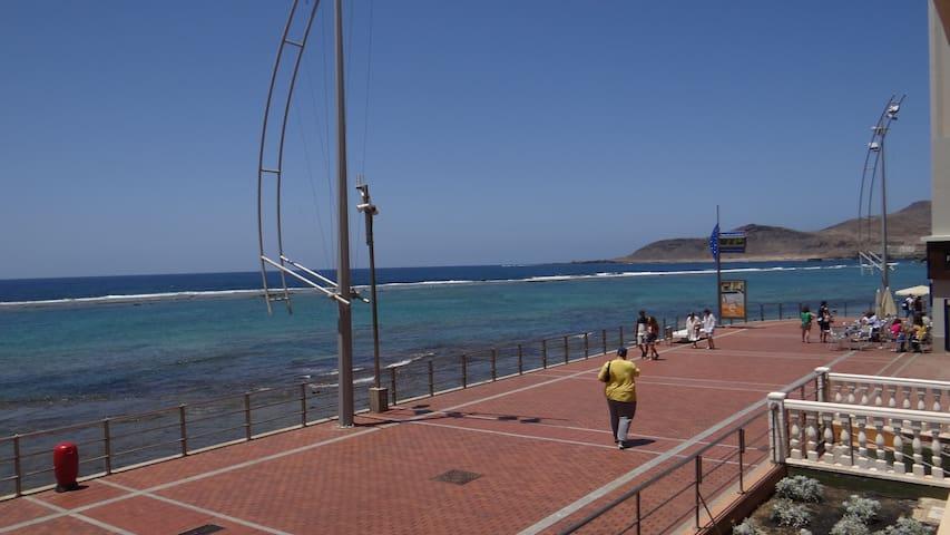 Beachfront apartment in Playa Las Canteras - Les Palmes de Gran Canària - Pis