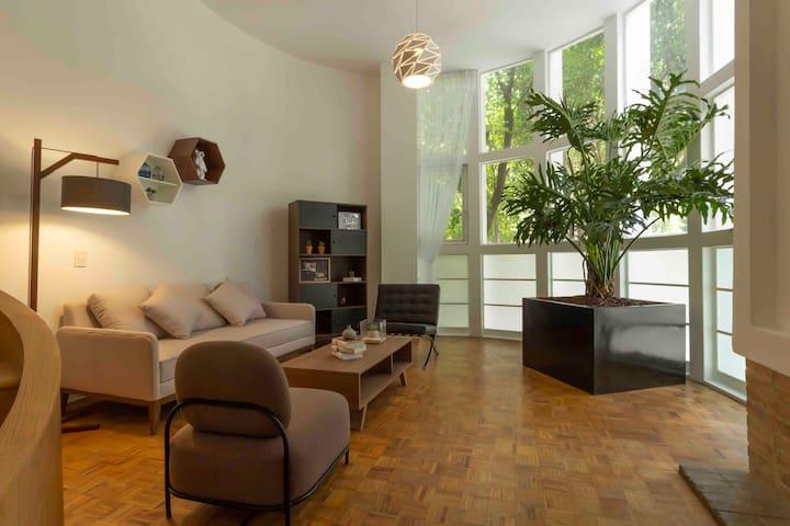 Beautiful Design Duplex perfect Location
