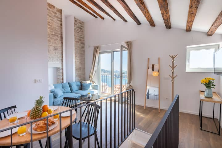 Stylish Seaview Apartment in Rovinj Old Town