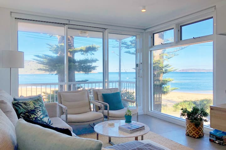 OCEAN VIEW APARTMENT (Stunning  Beachfront Views)