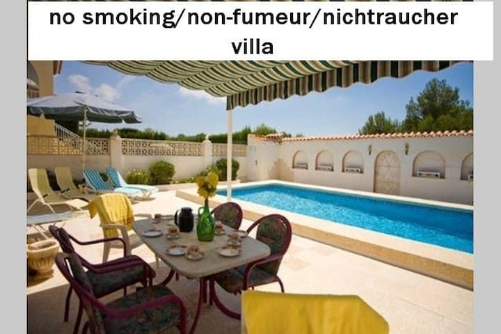 Non smoking Appartement at a privat pool - Cautivador - Leilighet