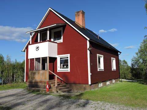 Lappland,  Schweden, Asele,  Haus am See