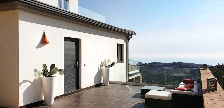 NEW PANORAMIC APARTMENT | VILLA ANTHEA