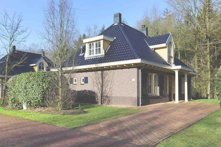 Luxe  ruime vakantie bungalow in Drenthe-Exloo