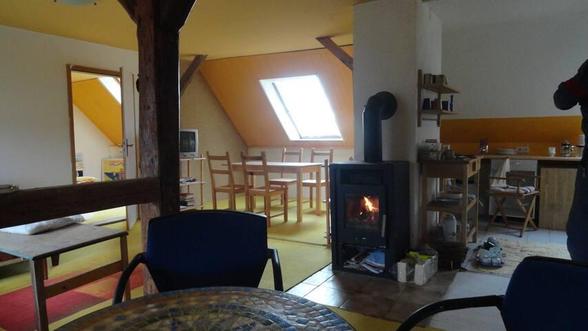 Anders Leben mit Kunst im schönen Weserbergland - Rinteln - Hus
