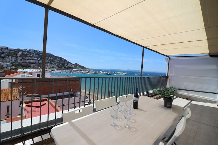 Penthouse in first line of the beach in Roses for rent-Estrella de Mar