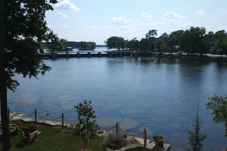 a View to Remember on 2nd floor apt, Bobcaygeon