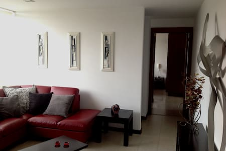 Espaciosa suite de lujo por el Hospital Voz Andes