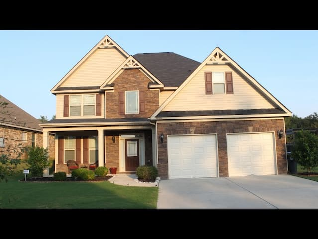 Beautiful Spacious Master Rental Home