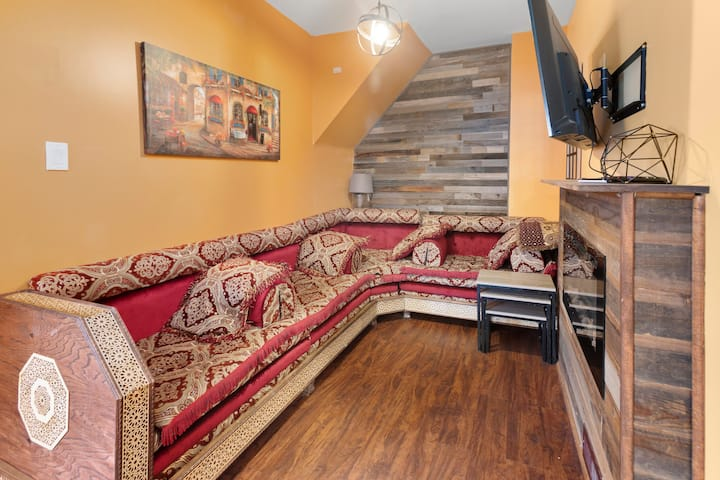 Moroccan theme 2bd home in the heart of Hamtramck