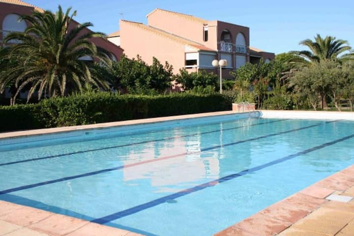 Studio cabine rdj - parking - Piscine -100 m plage