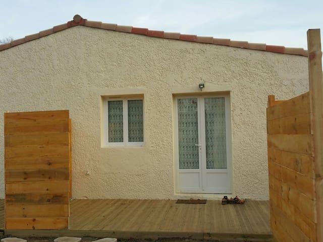 Maison pour 5 sur copropriété avec piscine