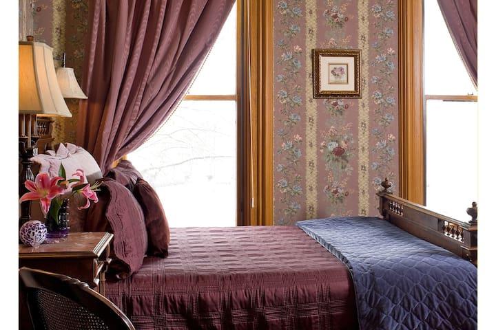 Room#6 at The Kalamazoo House B&B