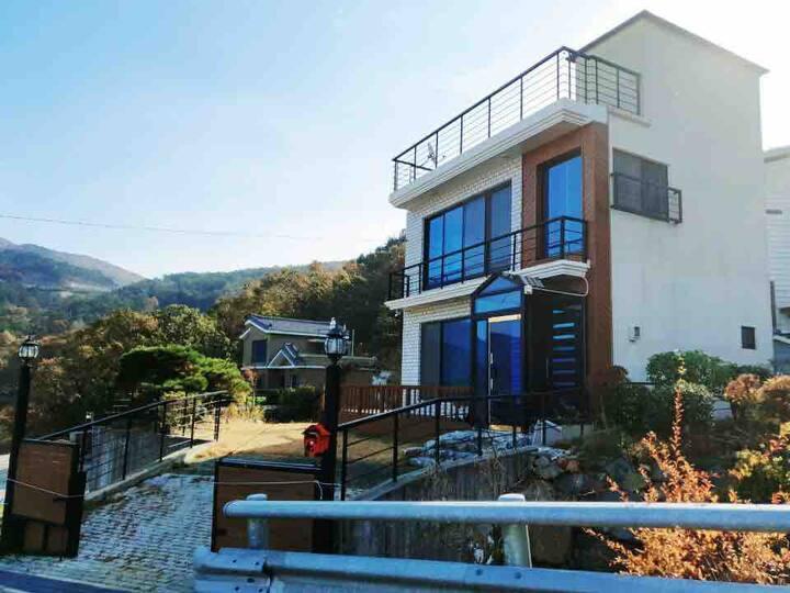가덕도 Ocean view + Sweet garden House ◡̈⃝