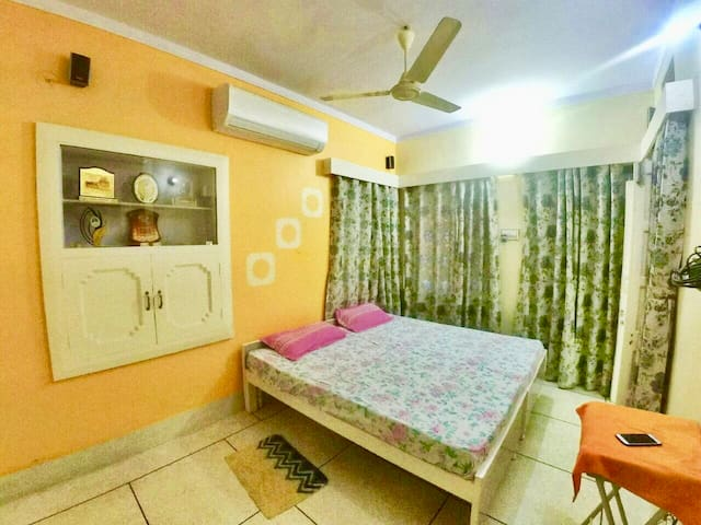 Panna Vilas: Luxurious private suite for couple.