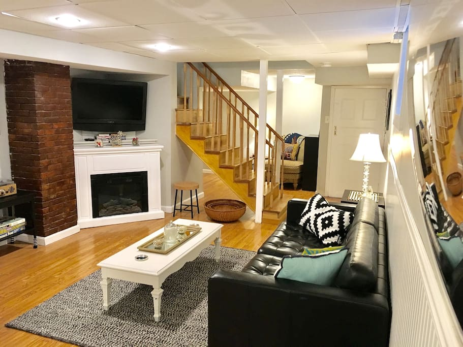 In the living room, enjoy Netflix on the flat screen TV, surf the internet on our hi speed wifi, or just lounge with a board game in front of the electric fireplace