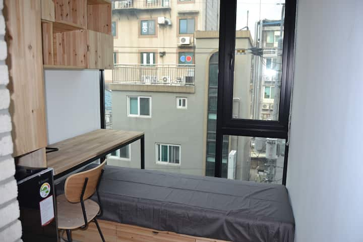 [Sinchon]Private Bath Room & share kitchen