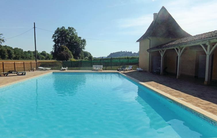 Holiday apartment with 2 bedrooms on 43 m² in Limeuil