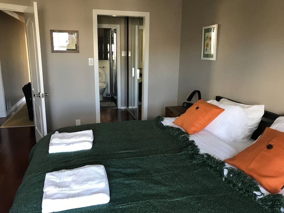 Main Bedroom with Private Shower, King Size Keetsa Mattress