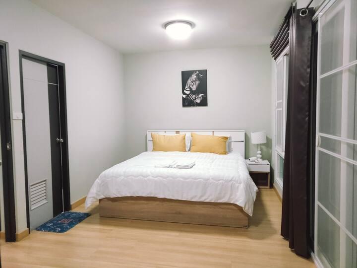 WS Home - 清迈市区 两层三房别墅 环境优美 交通方便 离机场不远  欢迎各位客户