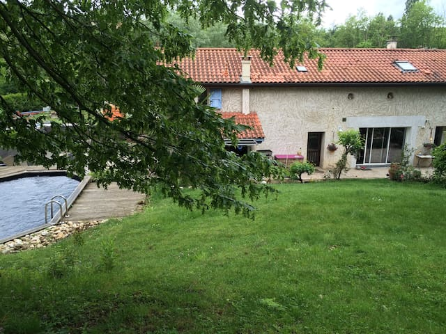 2 rooms in a charming old house - Francheville - Daire