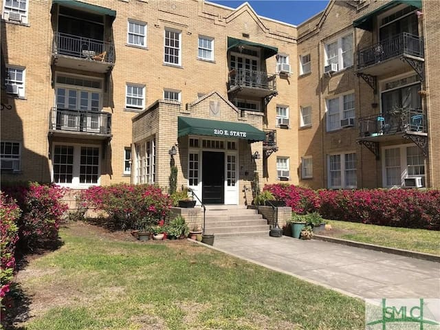 Perfect Location in the Heart of Savannah!