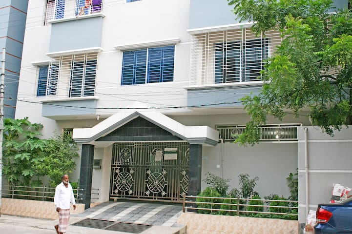 Palm Court(3 Bedroom apartment)