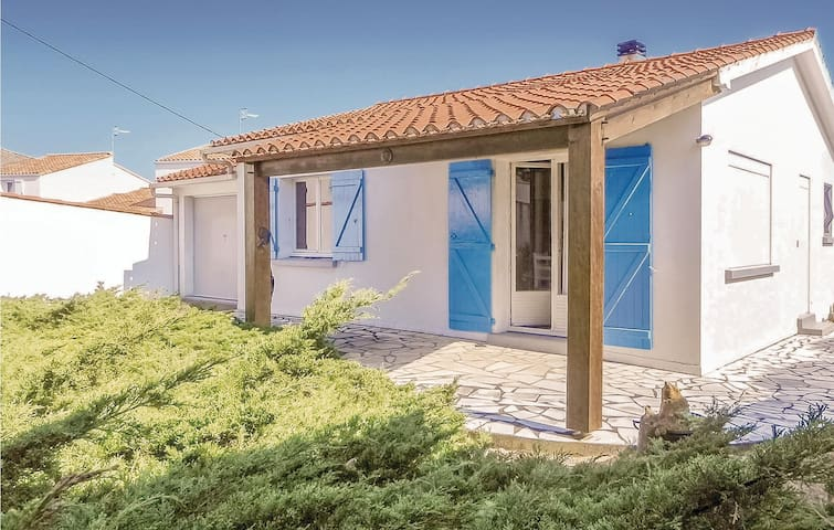 Holiday cottage with 2 bedrooms on 50m² in La Tranche-sur-Mer