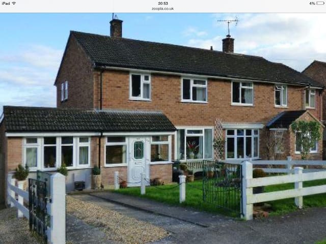 Beautiful location by hills& showground - Worcestershire - Rumah