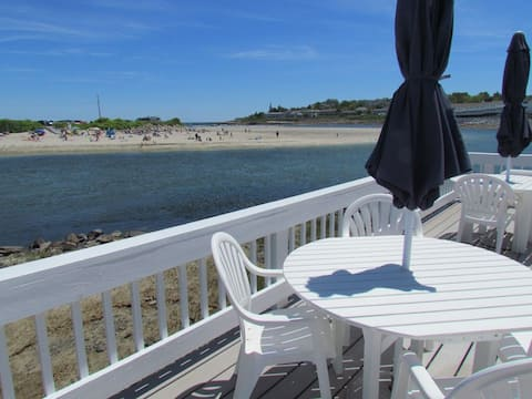 Oceanfront Condo#4, Prime location w/amazing views