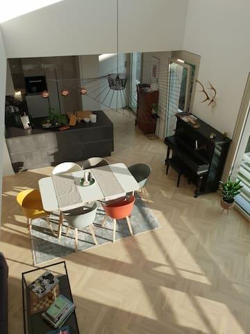 Helle, ruhige und stylishe Dachterrassenwohnung