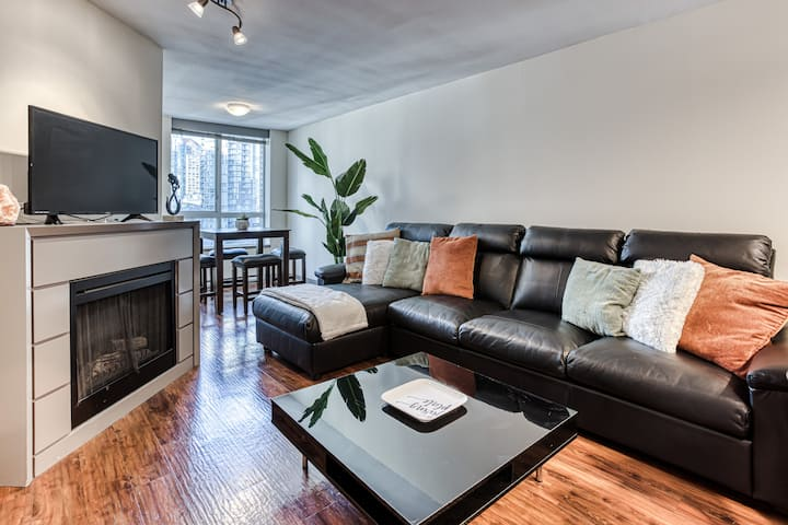 Cozy & Convenient - Heart of Yaletown - 1bed/1bath