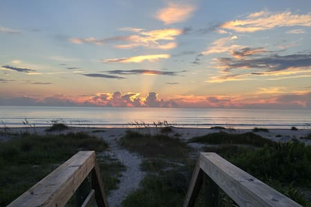 Ocean and River Views in Cocoa Beach, Ocean Access - Cocoa Beach - Huis