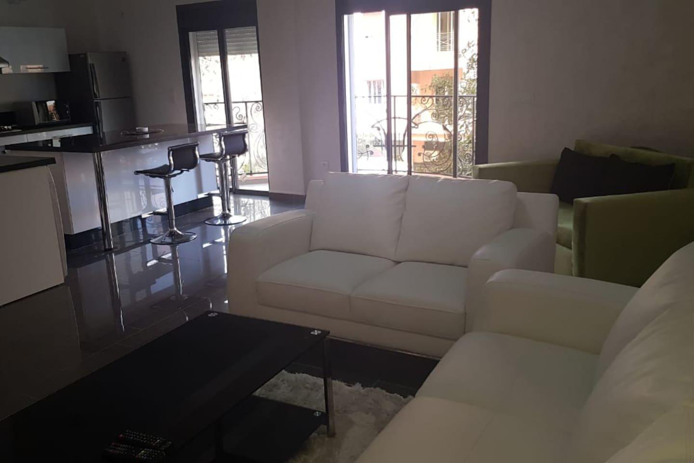 Appartement haut de gamme contemporain avec 3 chambres
