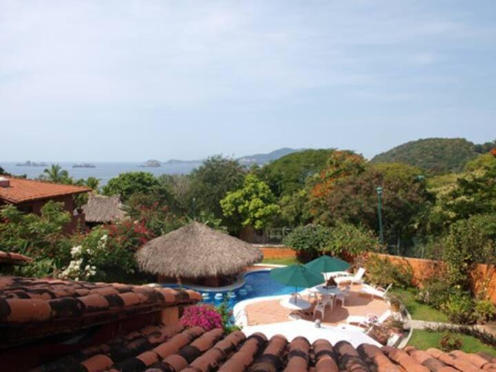 Ixtapa · Beautiful Getaway Villa with Ocean View