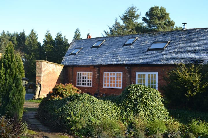 The Barn, set in meadow and woodland. - Shifnal
