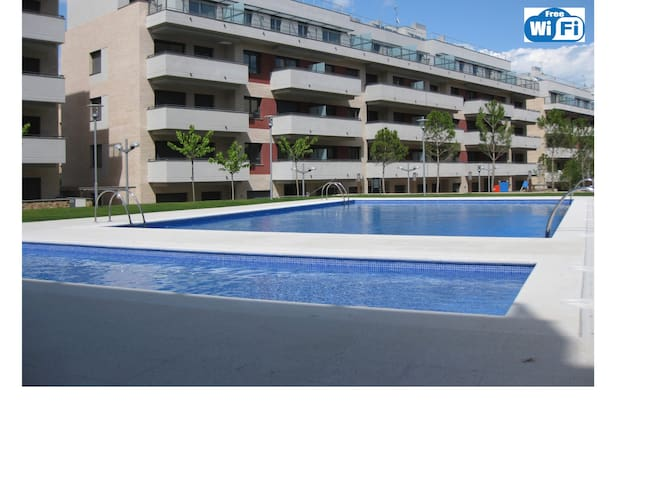 NEW. Apt. with parking,near the beach for 6 pers, - Lloret de Mar - Apartment
