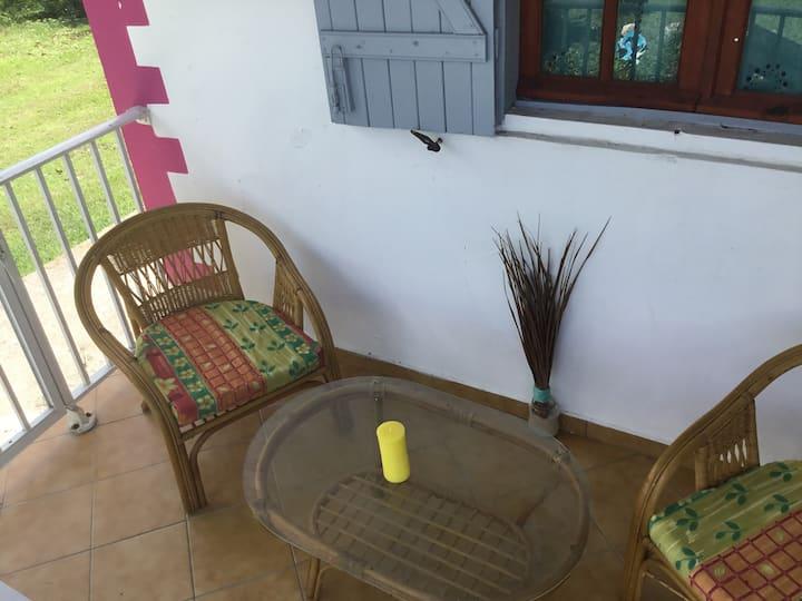 Le moule : chambre meublée tout confort