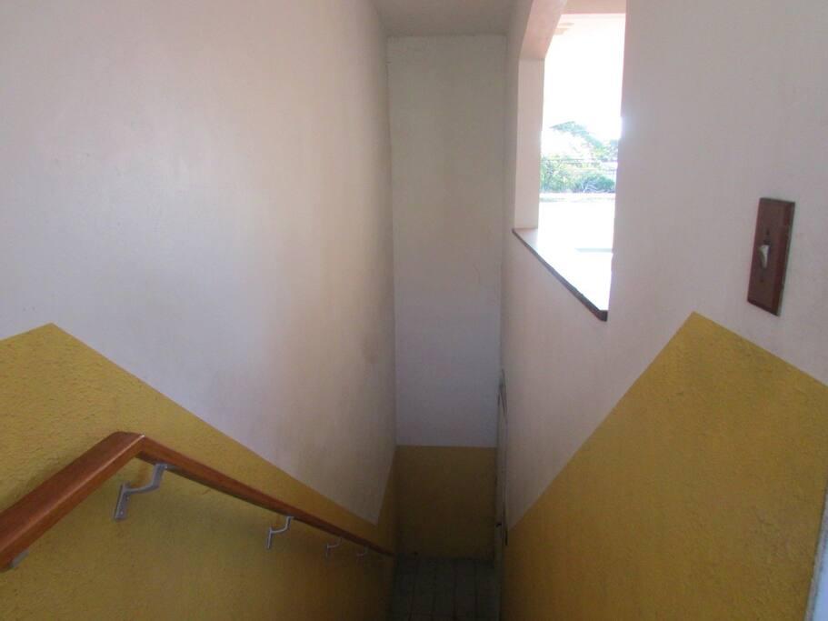 porte de entrada ,juntamente com a escada