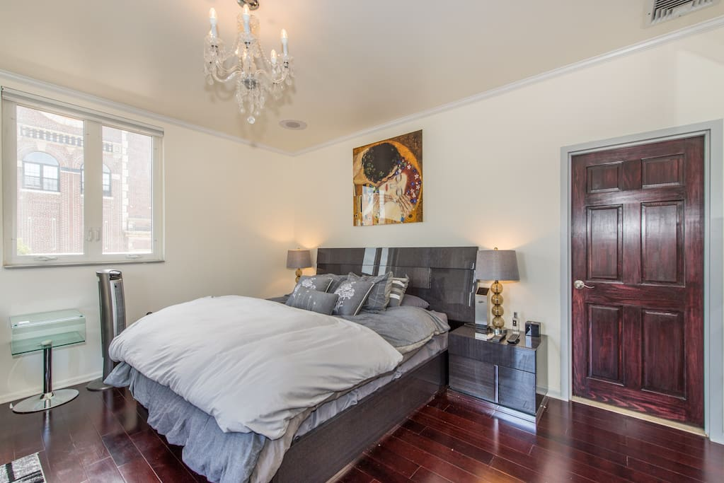 Master bedroom with access to terrae