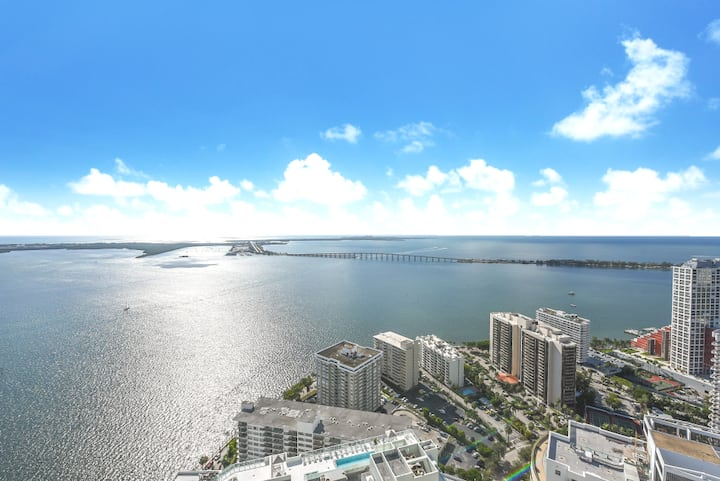 BRICKELL LUX CONDO *5 STARS* - 1 BR/FREE PARKING!!