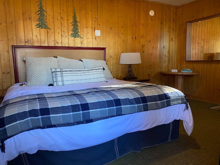 Cozy Room Near The Lake