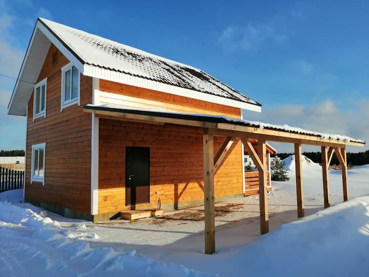 Уютный дом на Горьковском море. Рядом  Изумрудное
