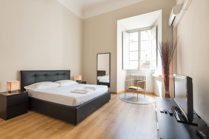 Piazza Strozzi Luxury Apartment