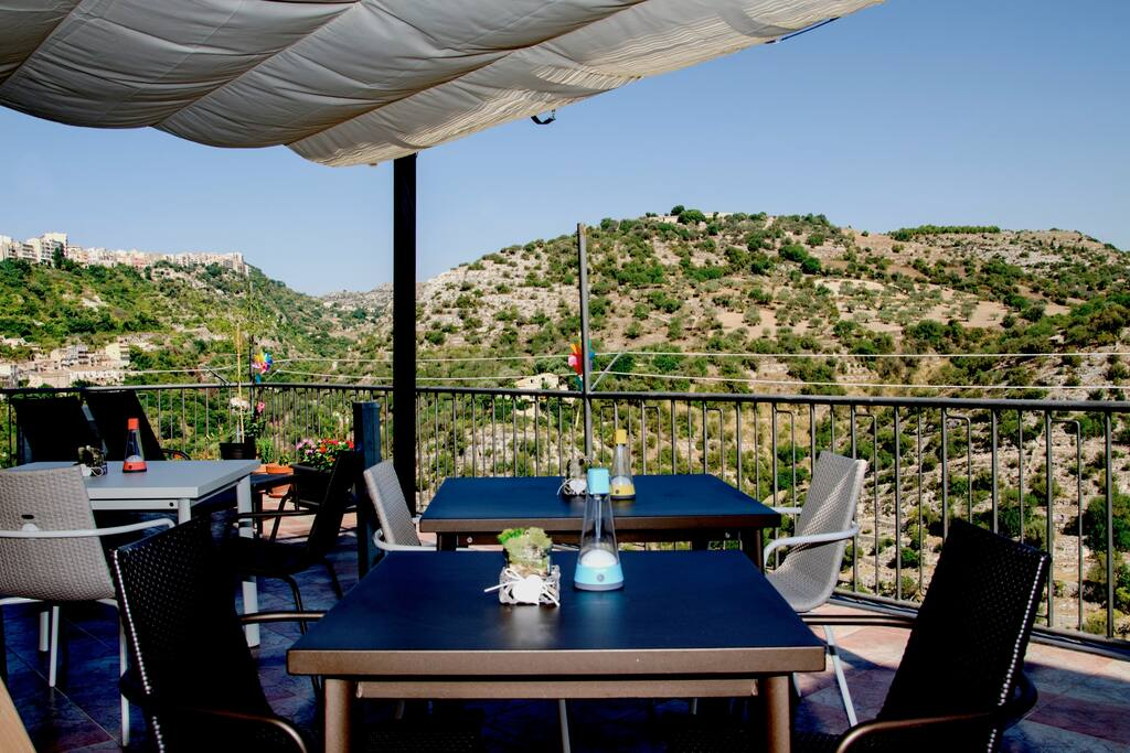 Panoramic Terrace & Outdoor Breakfast Tables