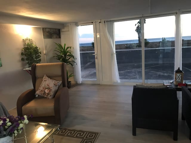 Spacious Attractive One Bed Apartment