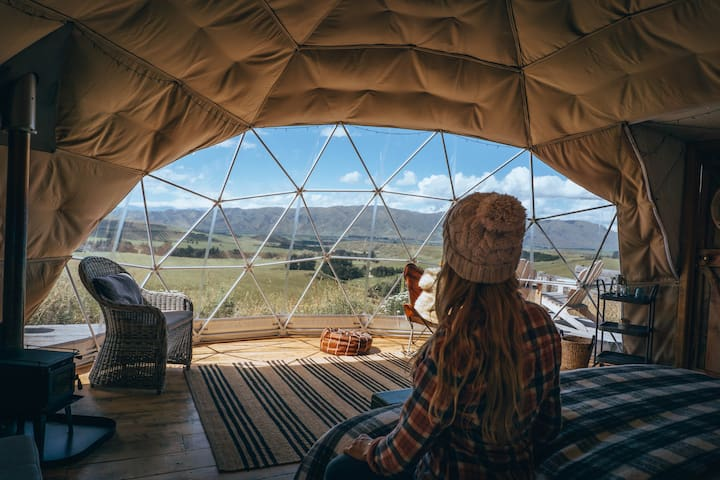Valley Views Glamping - 'Kirkliston Range' Dome