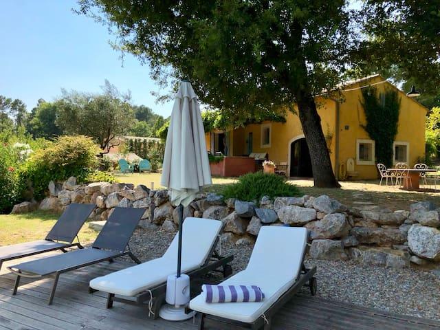 Superbe maison provençale Roussillon Luberon